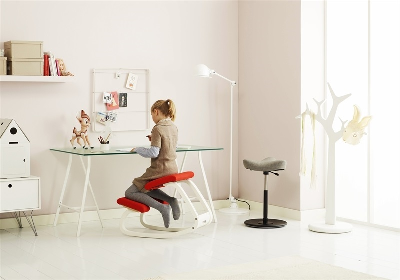 C mo deben sentarse nuestros hijos para estudiar dise os ergon micos 108 sillas ergon micas - Sillas ergonomicas para estudiar ...